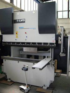 LVD - CNC-Gesenkbiegepresse Teilebreite max. 2000 mm